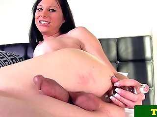 TRANSSEXUAL Eva Casinni puts ribbed faux-cock in donk