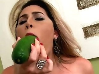 Shemale Bella Atrix Stuffs Vegetables Up Her Booty