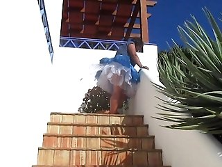 Windy Upskirts Teil 12